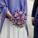 Co założyć do sukni ślubnej? 3 sprawdzone rady dla komfortu, elegancji i zadowolenia.
